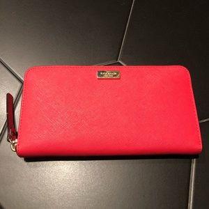 KATE SPADE: zipper wallet